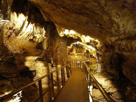 Visite de la grotte de Limousis