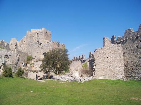 Le château de Puilaurens C° Le chateau de Puilaurens