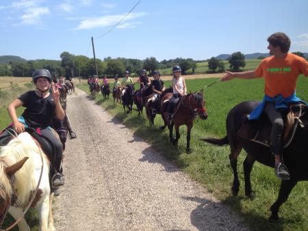 Chevauchée en Pyrénées Cathares - 9/13 ans - Groupe de jeunes cavaliers_C°Soularac