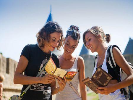 LIBTRECAR Box chasse au trésor à Carcassonne : le trésor des 3 rois cité filles c°Chasseursdetresors