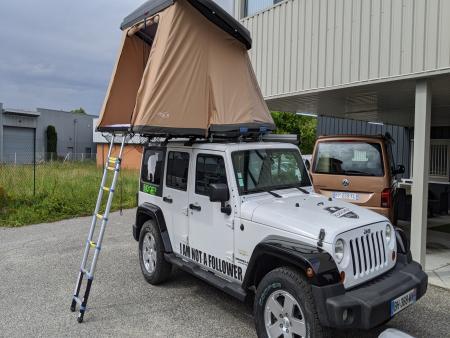 Location de JEEP WRANGLER avec Tente de Toit