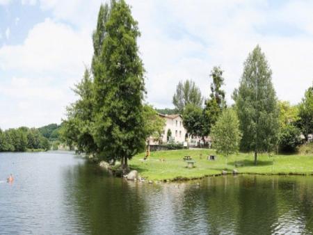 Découverte de 3 Grands Sites de l Ariège Montségur Foix et la grotte de Niaux - L hôtel_C°Inter-hôtel