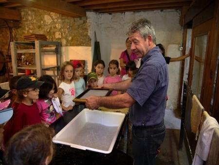 Groupe scolaire - Visite et atelier de fabrication de 1h30 à 2h - Moulin à papier de Brousses et Villaret