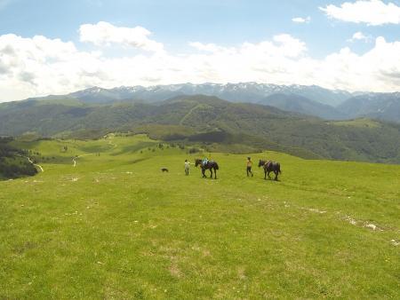 A cheval sur les traces des Cathares - 14/17 ans - Vue des Pyrénées_C°Soularac
