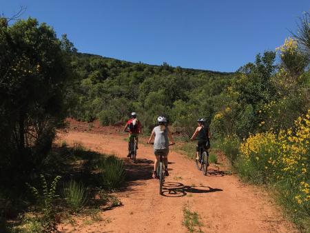 A vélo Sur les pistes rouges en Corbières