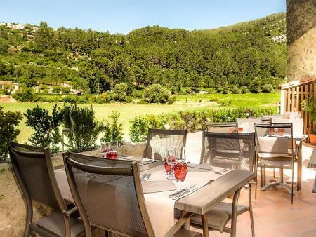 Lagrasse petit déjeuner et dîner avec vue sur les Corbières