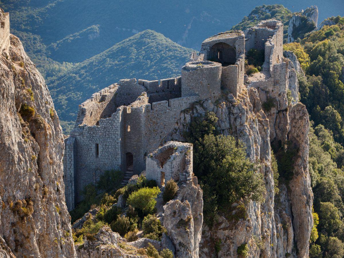 Peyrepertuse et Quéribus les «Citadelles du Vertige»