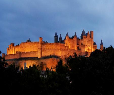 Visite guidée de la Cité Médiévale en nocturne
