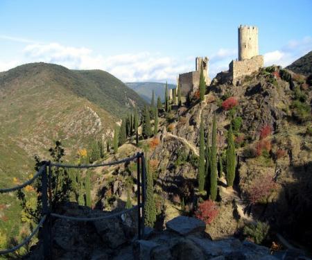 Scolaire de 6 à 15 ans visite commentée Les Troubadours - Les 4 châteaux de Lastours